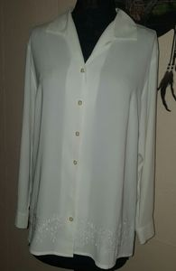 Laura Scott Vintage White Embroidered Hem Blouse